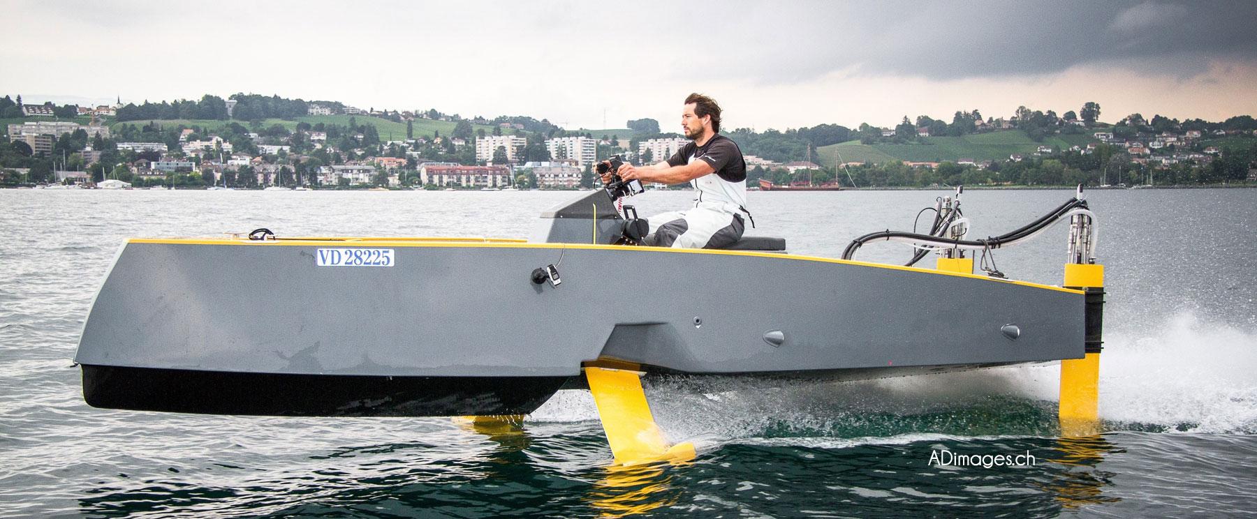 bateau-a-moteur_composite1