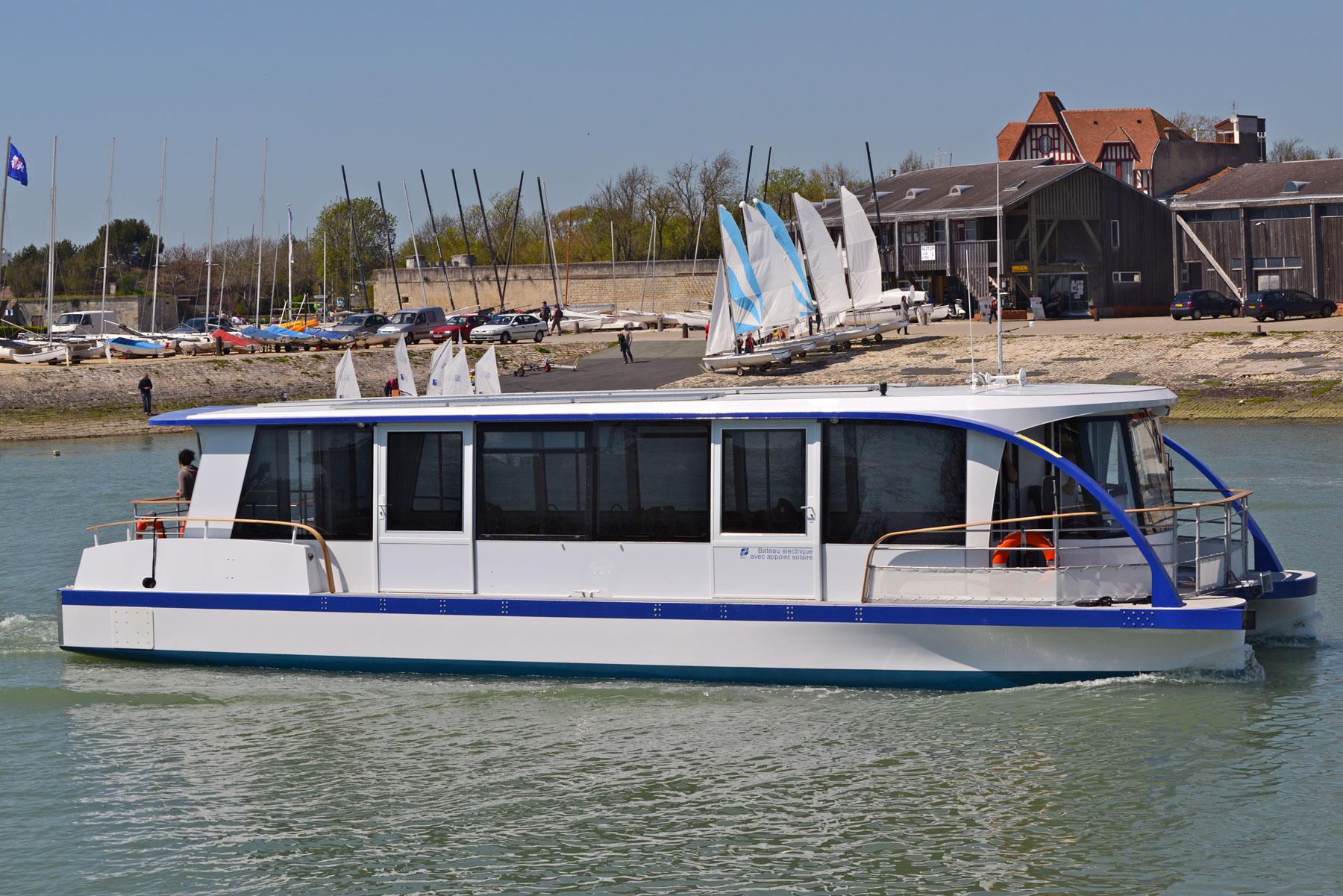 bateau_electrique_composite