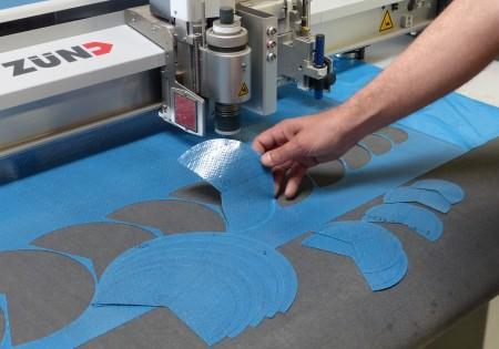 machine de découpe numérique de tissu carbone pre impregné (pre preg)