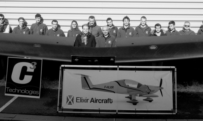 pre preg carbon wing one shot Elixir Aircraft C3 Technologies