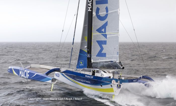 Macif Trimaran Francois gabart solo round the world record